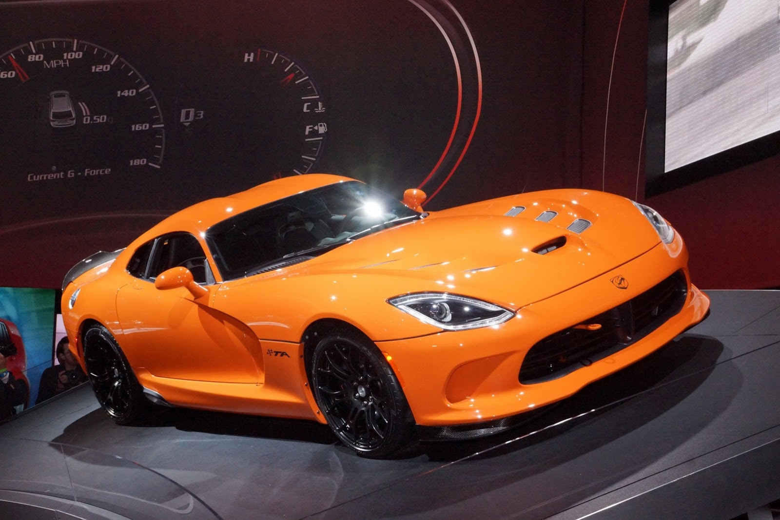 SRT Debuts New 2014 Viper TA in New York – Releases Track Video