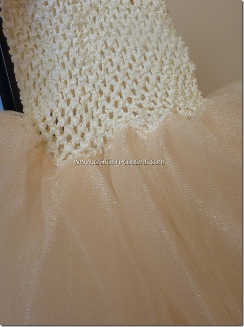 Tulle flower girl dress tutorial from the Crafty Cousins (18)