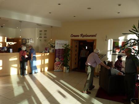 Cazare Irlanda: Hotel Ardmore Dublin receptia si restaurant