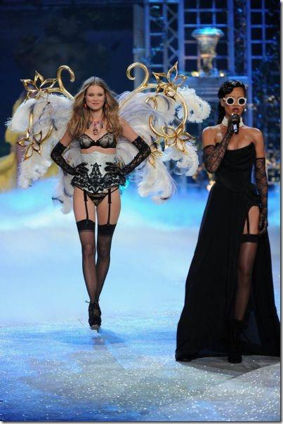 victorias-secrets-models-2012-17
