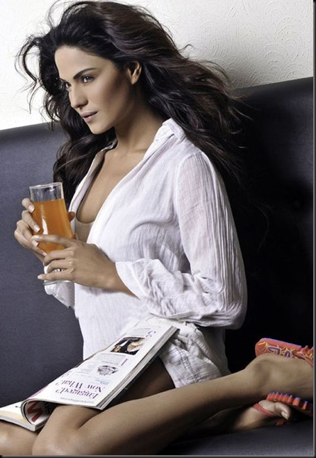 Veena-Malik-FHM-Magazine-Photo-Shoot---Hot-Photos-121