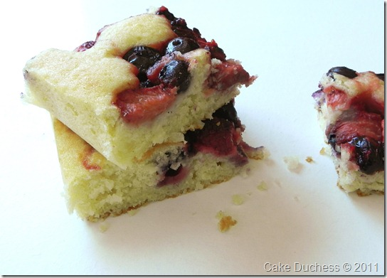 berrycoconutcake2
