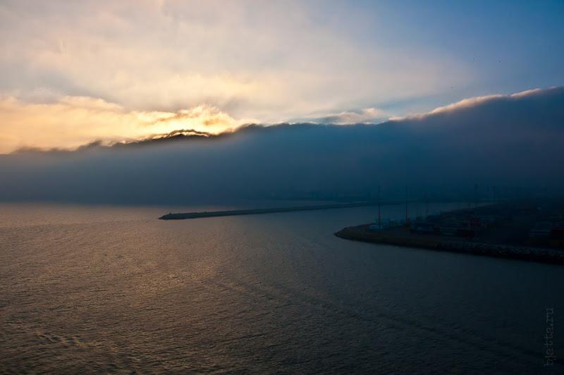 Третий день. Casablanca. Morocco. Круиз. Costa Concordia. Любуемся рассветом с балкона ресторана.