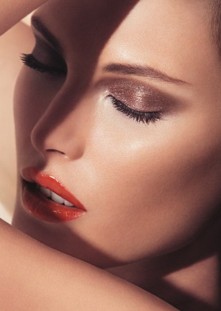 Giorgio_Armani_Amber,_Summer_Collection_2013_BEAUTY_VISUAL