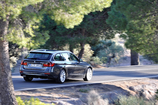 2013-BMW-3-Series-10.jpg