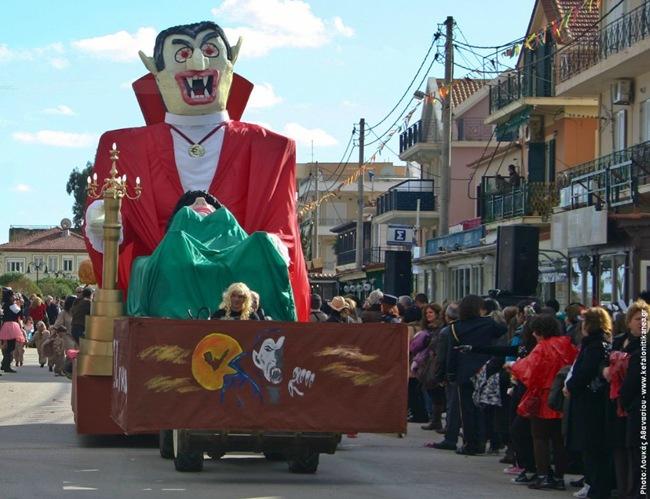 Σήμερα οι μεγάλες καρναβαλικές παρελάσεις σε Αργοστόλι και Ληξούρι (26-2-2012)