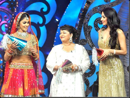 Malaika, Genelia on the sets of Saroj Khan Show1