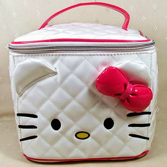 bolsinha-necessaire-maquiagem-hello-kitty-i-love-pink-5.jpg