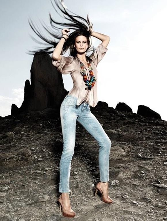 fornarina-fabulous-legs-modello-blanca