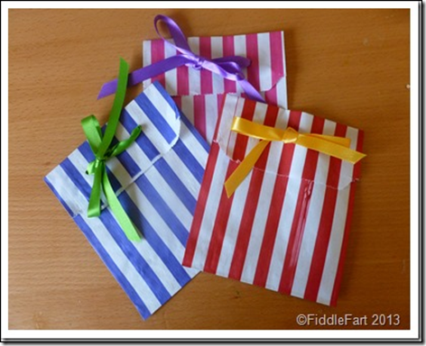 Simple and cheap Shabby Chic party bags