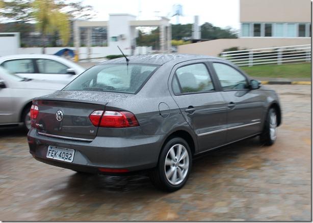 Volkswagen_voyage_gol_2013 (2)