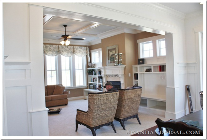 family room-Decorating a Dream Home - www.sandandsisal.com)