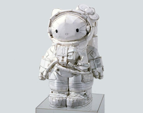 Hello Kitty Astronauta por Tom Sachs