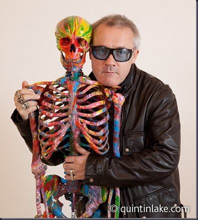 Damien-Hirst-Portrait-In-Studio-06