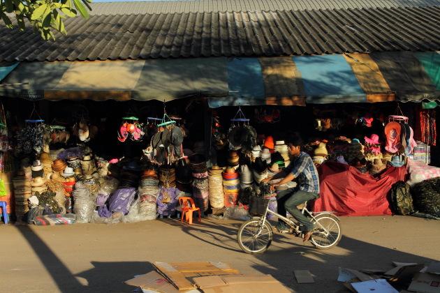 A scene at Ban Klong Luek Border Market, Aranyaprathet