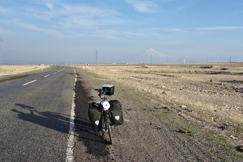 Inaintand catre Ararat