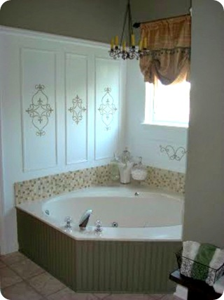 beadboard around tub