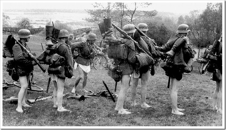 German-Soldiers-preparing-for-a-river-crossing