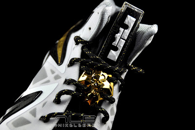 lebron10 ps elite white gold 50 web black The Showcase: Nike LeBron X P.S. Elite+ White & Gold