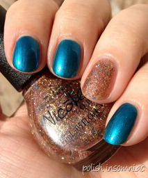 Nicole by OPI Deck the Dolls with A Gold Winter's Night 7
