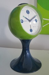 green and blue Blessing alarm clock with tulip base