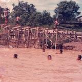 建設中のTubauの桟橋(1988年) / A landing bridge under consturuction, Tubau (1988)