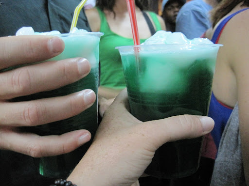 Minty-green Terremotos.