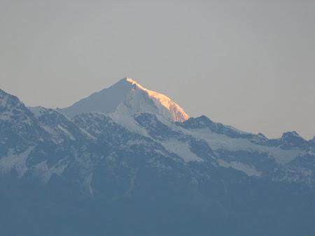 Lumina roz pe Himalaya