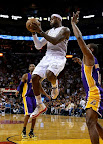 lebron james nba 130210 mia vs lal 13 LeBron Sets NBA Record of 6 Games with 30+ Points & 60+% FG