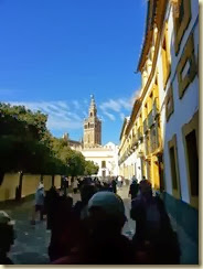 20131128_walking to lunch Sevilla (Small)