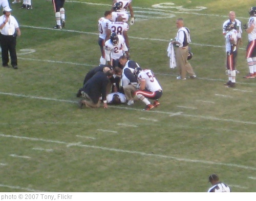 'Injury on Field' photo (c) 2007, Tony - license: http://creativecommons.org/licenses/by-sa/2.0/