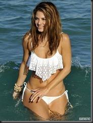 maria-menounos-white-bikini-14-675x900