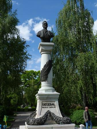 Imagini Drobeta Turnu Severin: Statuia lui Decebal