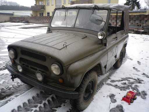 UAZ 4698 orig. 16000KM m. deutschem Brief