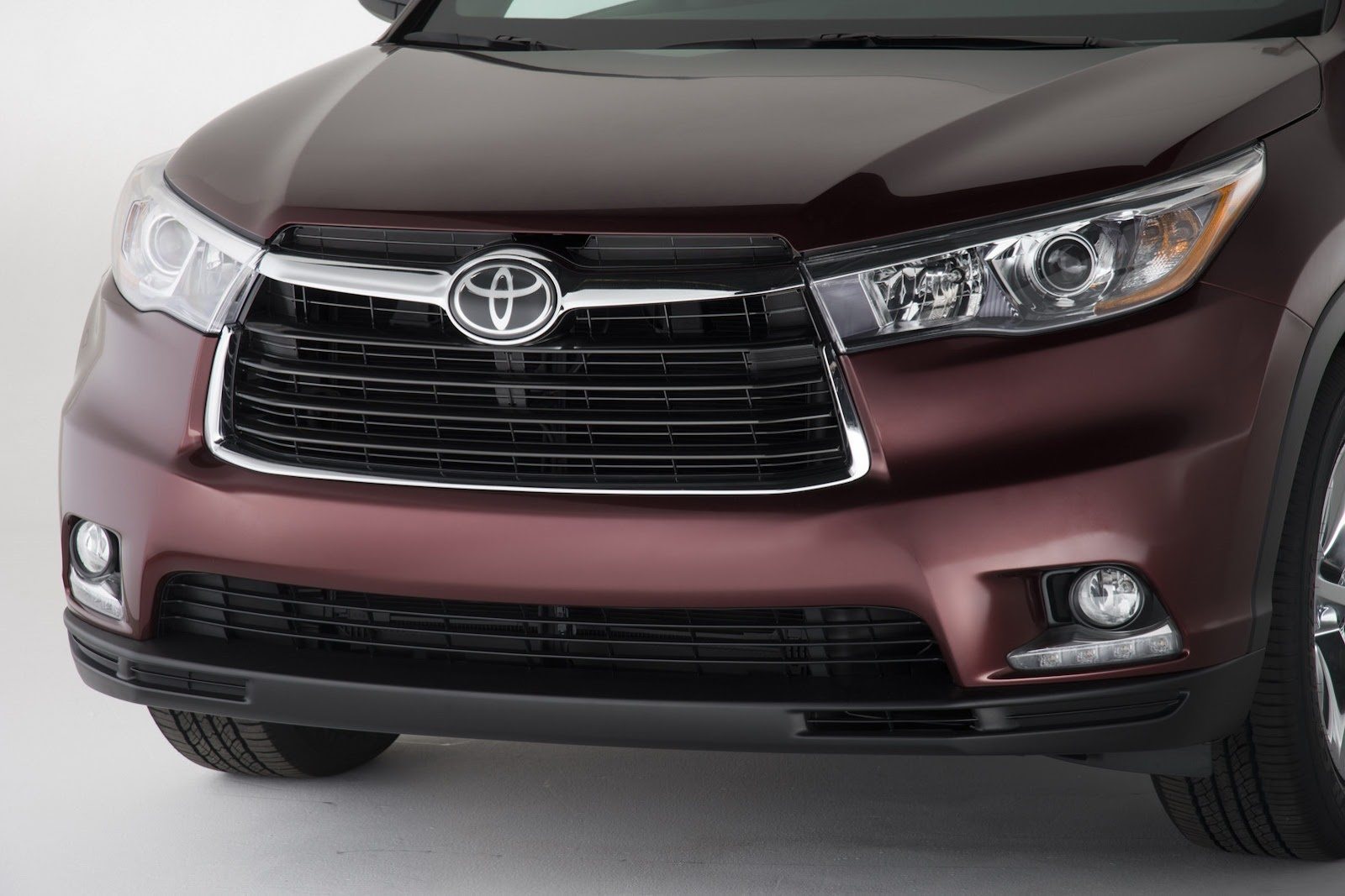 Toyota Officially Unwraps All-New 2014 Highlander Crossover with ...