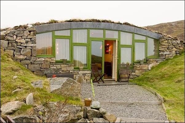 Hebridean-Earth-House-Isle-of-South-Uist-01