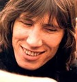 Roger Waters -  vocal, baixo, guitarra
