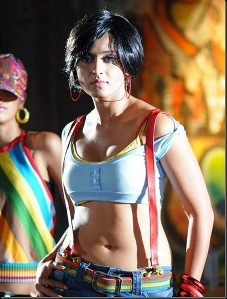 Anushka-Shetty-Looking-to-Hot