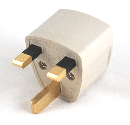 Adaptor calatorii UK