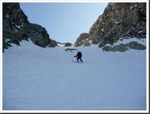 Corredor Gigolo 240m 65º IV (Cambre d'Aze 2750m, Cerdanya, Pirineos) (Omar) 0041
