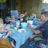 Aftensmad i Ejby med familien. Lille Emil der er ca. 9 måneder nu.