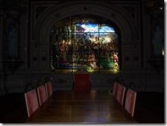 2013.04.26-025 vitrail dans la salle des abbés