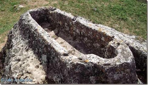 Calatañazor - tumba antropomorfa