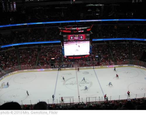 'Washington Capitals vs. Atlanta Thrashers' photo (c) 2010, Mrs. Gemstone - license: http://creativecommons.org/licenses/by-sa/2.0/