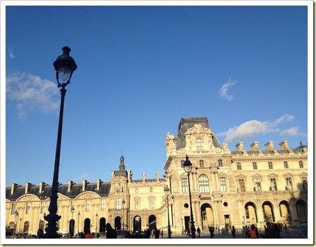 louvre blue sky