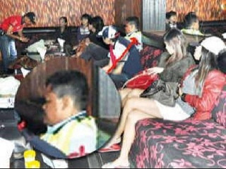 Terkini! Betul Ke YB Timbalan Exco Agama Dari Melaka Kantoi Di Kelab Dangdut?