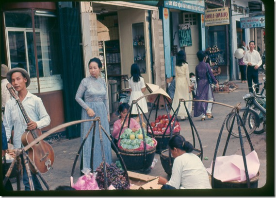 saigon market 1967 00003