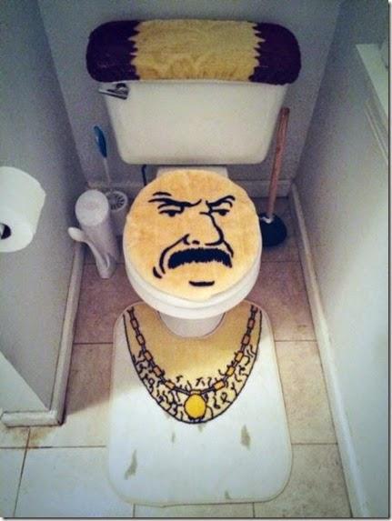 bathroom-craziness-041