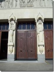2012.07.26-021 statues du portail de la basilique
