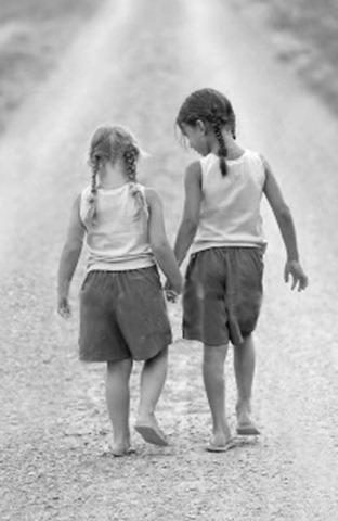 Girls_friendship